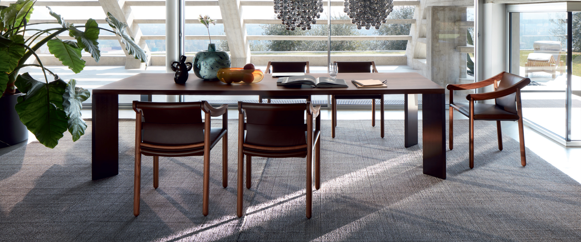 905, una sedia moderna con un grande patrimonio