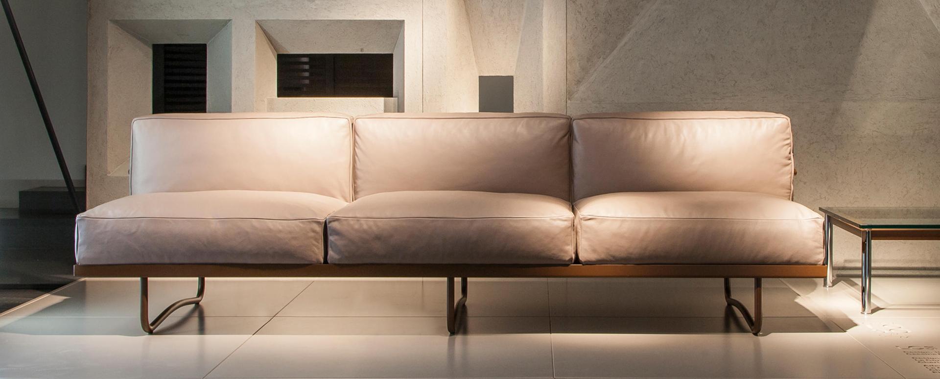 Il divano LC5