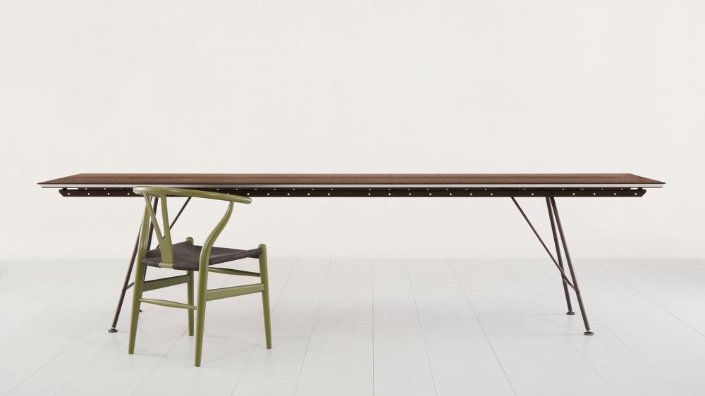Unistandard Tisch